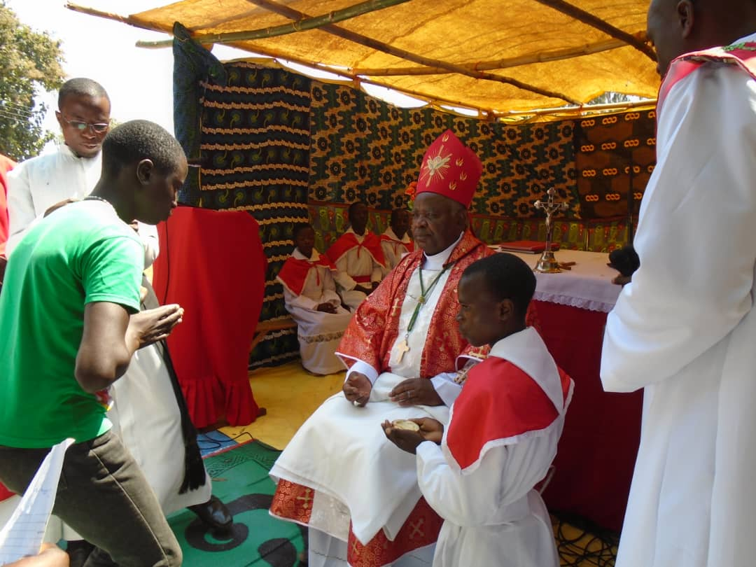 Bishop Mtumbuka Confirms 317 Christians at Kasantha: Calls for Peace