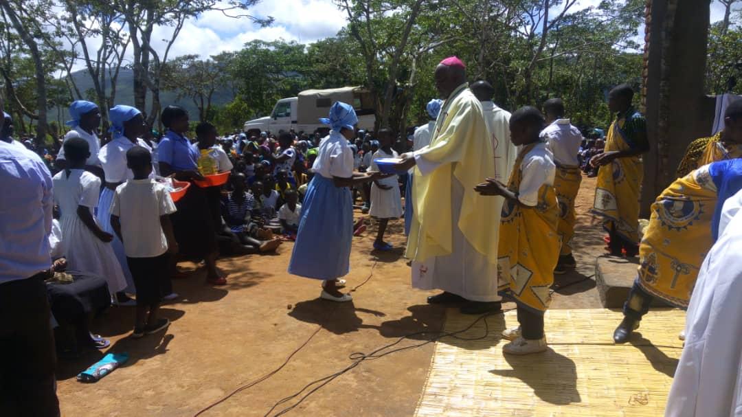St John Paul II Christians Hailed for the High Number of Communicants